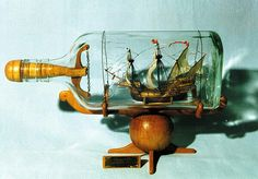 Building of ship models in bottles. Boat In A Bottle, Ship In Bottle, Spanish Galleon, Model Ship Building, Wooden Pipe, Wood Carving Designs, Article Design, Beaded Animals, Tall Ships