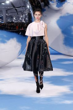 Fashion Tape, Dior Fashion, Runway Fashion, Womens Fashion, Fashion Trends, Christian Dior 2014, Cristian Dior, Street Style Shoes, Catwalk