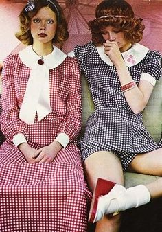 Super Seventies - Fashion in gingham for Seventeen magazine, February 1972 Seventies Fashion, 60s And 70s Fashion, Retro Fashion, Vintage Fashion, Womens Fashion, Courtney Love, Moda Retro, Seventeen Magazine, Nostalgia