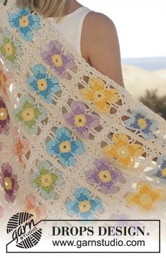"Crochet DROPS Wittrock's violet blanket with squares in ""Paris"". ~ DROPS Design"