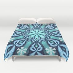 Decorative winter design with snowflakes in blue and white Duvet Cover