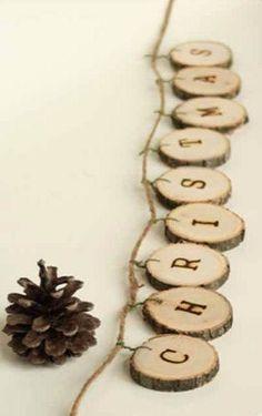 Los materiales naturales como la madera y las piñas son tendencia en decoración de Navidad 2014 #tendencias #decoracion #Navidad