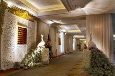 #mawarprada #dekorasi #pernikahan #pelaminan #wedding #decoration #romantic #peacok #white #jakarta more info: T.0817 015 0406 E. info@mawarprada.com www.mawarprada.com