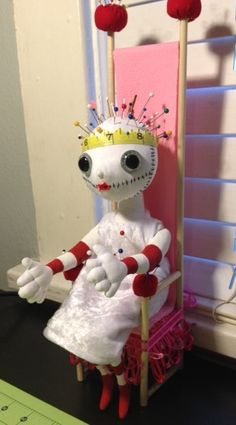 pin cushion poppit queen! sooo cool! reminds me of a manikin! of course i want it lol