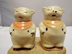 Sweet Home and Coffee Magnetic Ceramic Salt /& Pepper Shakers Figurine