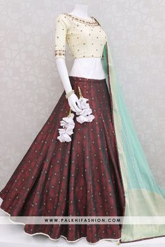 Palkhi fashion presents designer maroon lehenga with woven brocade designs.Beige handwork blouse with sea green georgette & silk weaving dupatta Lehnga Dress, Lehenga Gown, Indian Lehenga, Lehenga Blouse, Dress Indian Style, Indian Dresses, Indian Outfits, Pakistani Outfits, Indian Attire