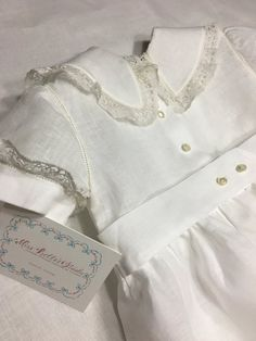 French Handsewn Portrait Romper in Ulster Linen Potrait Antique Lace, Vintage Lace, Smocking, Romper Suit, Vintage Baby Clothes, Christening Gowns, Heirloom Sewing, Baby Sewing, Dress For You