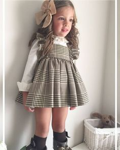 Inspiration for traditional classic girls clothing! - - Check more at Inspiration for traditional classic girls clothing!Spielzeug Spielzeug Inspiration for traditional classic girl Little Girl Outfits, Toddler Girl Outfits, Little Girl Fashion, Little Girl Dresses, Toddler Fashion, Vintage Kids Fashion, Baby Outfits, Girls Fashion Kids, Child Fashion