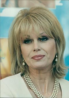 joanna lumley kuvat – Google-haku Beautiful Women Over 50, Beautiful People, Joanna Lumley, Emma Peel, Pretty Females, Female Supremacy, Absolutely Fabulous, Sexy Older Women, Celebs