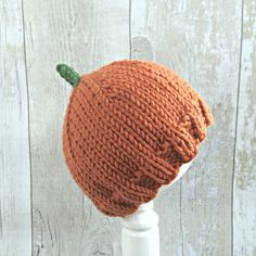 Pumpkin hat for babies, children and adults - now available from £12! Newborn Pumkpin Hat, Baby Pumpkin Hat, Pumpkin Beanie Hat, Baby Halloween Costume, Autumn Baby Hat, Knitted Pumpkin Hat, Fall Photo Prop