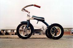 Resultados de la Búsqueda de imágenes de Google de http://ricardosegovia.com/wordpress/wp-content/uploads/2011/07/william_eggleston_tricycle.jpg