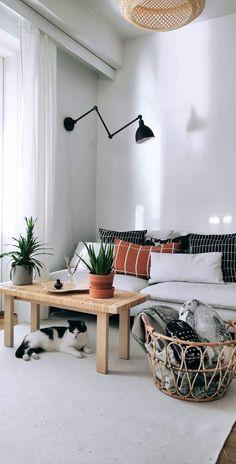 Moderni ja skandinaavinen sisustus fb ryhmä, Sanni Santaharjun kommentti postaukseen 8.2.2019 Scandi Style, Marimekko, Dream Rooms, Interior Decorating, Sweet Home, New Homes, Dining Table, Living Rooms, Inspiration