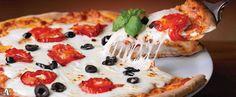 Rs.309 for 1 Medium Pizza, 1 Full Portion Garlic Bread & 600 ml Coke worth Rs.500 (Valid on Category V2 & NV1)