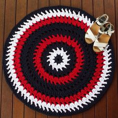 What great colour schemes my clients choose! This custom order is off to its new home in a little boy's bedroom. Message me if you have a design you'd like to see brought to life.  #handmade #crochet #rug #etsy #etsyau #etsyseller #trapillo #trapart #customorder