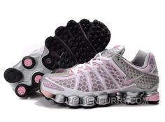 Discover the Women's Nike Shox TL Shoes White/Light Pink/Silver Lastest collection at Pumaslides. Shop Women's Nike Shox TL Shoes White/Light Pink/Silver Lastest black, grey, blue and more. Get the tones, get the features, get the look! Mens Nike Shox, Nike Shox For Women, Nike Women, Michael Jordan Shoes, Air Jordan Shoes, New Jordans Shoes, Air Jordans, Stephen Curry Shoes, Nike Shoes Online