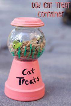 Make this adorable DIY Cat Treat Holder with our tutorial for your Cats. Dog treats fit well too #MyPetMyStar #ad