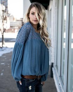 Telegraph Lace Sleeved Top - Dusty Blue