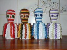 """Dit zijn de inktvisjes : """" Summer """" , """" Autumm """" ,  """" Winter  """"  en   """" Spring"""", gemaakt door Pauline Doef."""