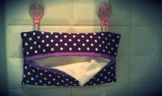 DIY Un tuto, la boîte pour mouchoirs à accrocher dans la salle de bain, atchoum. (http://lesreloux.canalblog.com/archives/2012/04/11/23981672.html)