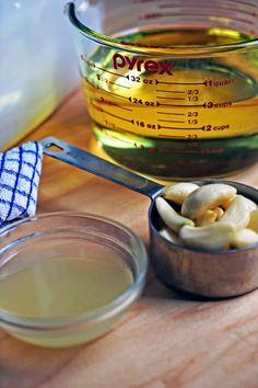 Toum - Lebanese Garlic Sauce3