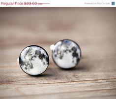 Full moon cufflinks - Cyber monday etsy, Black friday etsy - Man cuff links (C027). $19.55, via Etsy.