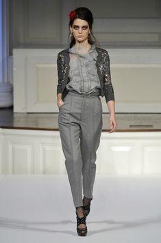 Oscar de la Renta Pre-Fall 2010 Fashion Show - Marina Peres