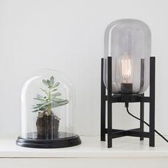 Lampe à poser en métal noir et verre transparent Hübsch : Decoclico