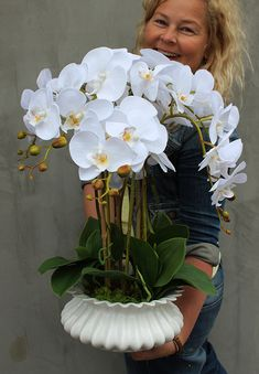 storczyki gumowe z pracowni www.tendom.pl Orchid Flower Arrangements, Garden Inspiration, Vegetable Garden, Design Art, Projects To Try, Candles, Table Decorations, Flowers, Plants