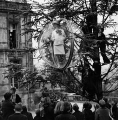 This iconic Bubble series was created by fashion photographer Melvin Sokolsky in Paris for the Harper's Bazaar 1963 Spring Collection.