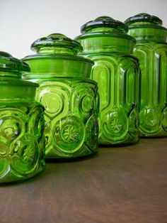 Vintage Green Glass Moon and Stars Canister Set.my gma had a set my mom had a set and now im building my own set:) Vintage Canisters, Vintage Dishes, Vintage Glassware, Vintage Kitchen, Love Vintage, Vintage Green Glass, Bottles And Jars, Glass Jars, Glass Canisters