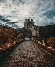 Eltz Castle Münstermaifeld Germany By: @kdkuiper Follow our Snapchat!  BDestinations by beautifuldestinations