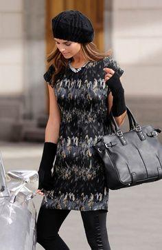 f5aba289157f 10 bästa bilderna på Klänningar | Dress skirt, Dress fashion och ...