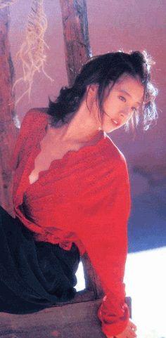 中森明菜 Almond Eyes, Sensual Seduction, Look At The Sky, Japanese Aesthetic, Dvd Blu Ray, Vintage Beauty, Asian Beauty, My Girl, Pop Culture