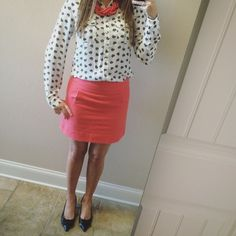 """✨B1G1 FREE✨Coral J. Crew Factory Skirt Lovely coral skirt with tweed like material. It is in great condition. Length measures 15 inches straight down the front. I am 5'4"""" in pics. Waist when flat measures 14.5 inches. Polyester lining. Shoes pictured are for sale too. J. Crew Skirts"""