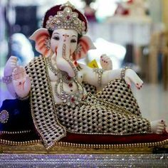 Ganesha ji pictures collection - Life is Won for Flying (wonfy) Jai Ganesh, Ganesh Lord, Ganesh Idol, Shree Ganesh, Ganesha Art, Lord Vishnu, Ganesha Pictures, Ganesh Images, Ganesh Bhagwan