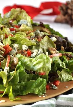 Salad Bar, Lettuce, Salads, Appetizers, Yummy Food, Sweets, Bread, Vegetables, Cooking