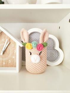 Crochet Pencil Case, Crochet Case, Love Crochet, Crochet Teddy, Crochet Toys, Knit Crochet, Diy Crafts For Home Decor, Crochet Home Decor, Crochet Designs