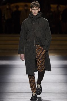 Dries Van Noten Fall 2016 Menswear Fashion Show