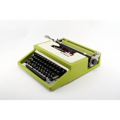 Reconditioned Ward Escort 33 Vintage Typewriter Olivetti Made Vintage... (1.140 BRL) ❤ liked on Polyvore featuring home, home decor, outside home decor, vintage home decor, outdoor home decor and vintage home accessories