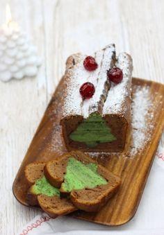 Cake surprise de Noël Cake Surprise, Dream Cake, Veggie Recipes, Veggie Food, Christmas Treats, Waffles, Veggies, Pudding, Breakfast