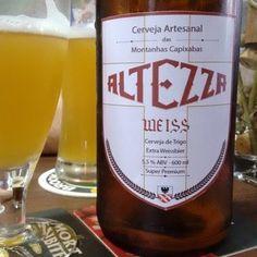 Cerveja Altezza Weiss, estilo German Weizen, produzida por Cervejaria Altezza, Brasil. 5.2% ABV de álcool.