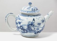 Chinese porcelain teapot, early eighteenth century, decorated in blue and white with a scene from The Romance of the West Chamber, at Erddig, NT 1145624. ©National Trust/Susanne Gronnow