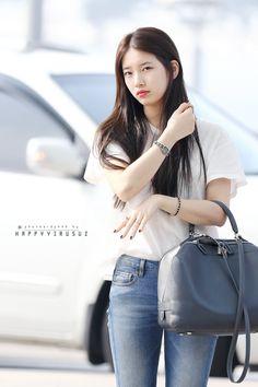 Bae suzy miss a Bae Suzy, Kpop Fashion, Korean Fashion, Womens Fashion, Airport Fashion, Female Fashion, Korean Beauty, Asian Beauty, Korean Girl