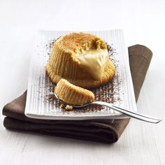 bindi DEUTSCHLAND/bindi/Desserts/Einzelportionen/Soufflé al Cioccolato Bianco Bindi, Waffles, Breakfast, Ethnic Recipes, Desserts, Food, Postres, Deserts, Waffle