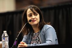 Mara Wilson speaking with attendees at the 2017 Phoenix Comicon Fan Fest at the Phoenix Convention Center in Phoenix, Arizona. Please attribute to Gage Skidmore if used elsewhere. Didi Conn, Rhea Perlman, Russell Means, Mara Wilson, Phoenix Comicon, Paul Reubens, The Giant Peach, Danny Devito, Alec Baldwin