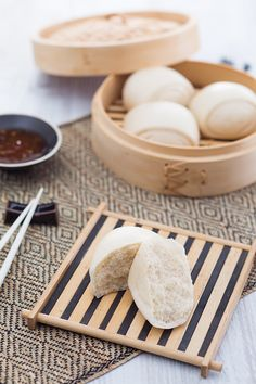 """Mantou"" i Panini Cinesi Sushi Recipes, Asian Recipes, Cooking Recipes, Sushi Co, Weird Food, Exotic Food, Food Lists, International Recipes, Diy Food"