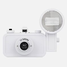 The La Sardina DIY Edition camera comes in purest white along with all the tools you need to customise it's appearance, including the right screwdriver, plenty of extra screws, marker pens and transparent front/back panels