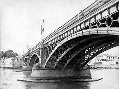 @SevillaInsolita : Probablemente una de las fotografías antiguas más hermosas del puente de Triana. Año 1901. http://bit.ly/1FcRT5v