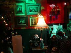 #Helsinki lokikirjani kulttuurista ja luonnosta : Lissää yökuvvausta Helsingissä. Stockan jouluikkuna Night photography at Helsinki, FI. More: Helsinki, Rocky Horror, Banks, Graffiti, Statue, Lighting, Home Decor, Decoration Home, Room Decor