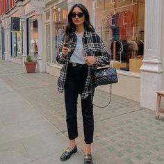 Hannah | COCOBEAUTEA (@cocobeautea) • Photos et vidéos Instagram Urban Fashion, Look Fashion, Womens Fashion, Converse All Star, Estilo Boyish, Yves Saint Laurent, Boyish Style, Indie Outfits, White Outfits